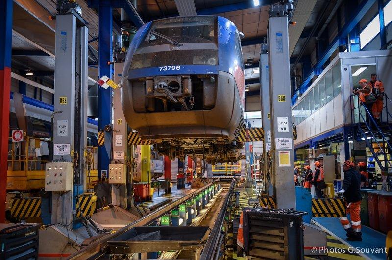 FRANCE - TRANSPORT - SNCF - MECHANICS