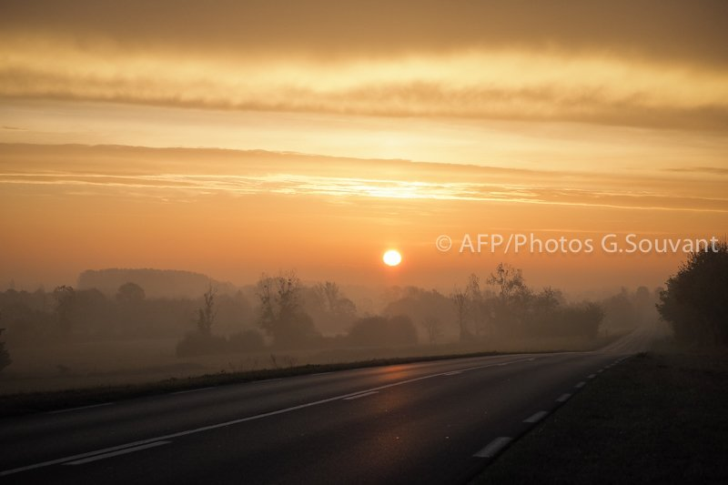 FRANCE-FEATURE-SUNRISE-WEATHER