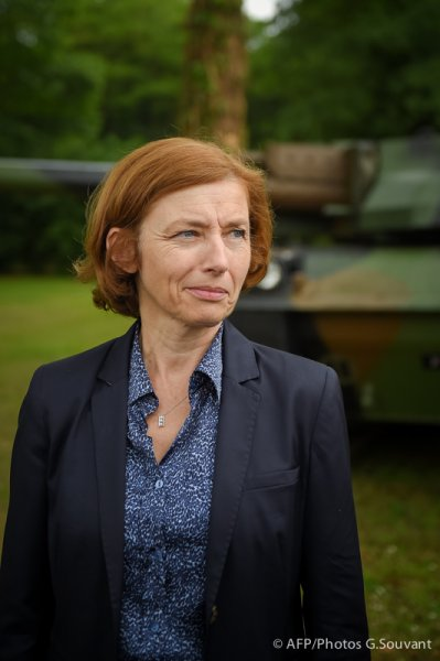 FRANCE-POLITICS-MILITARY