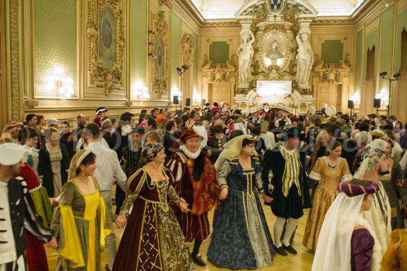 Le Bal De La Renaissance