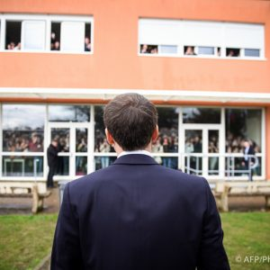 Emmanuel Macron à l'école