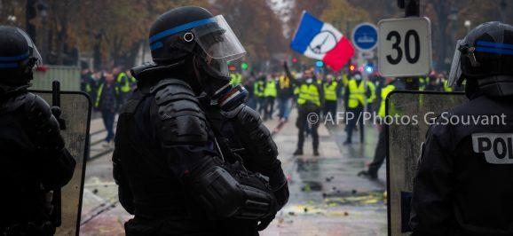 Manifestation Gilets Jaunes Vs Police